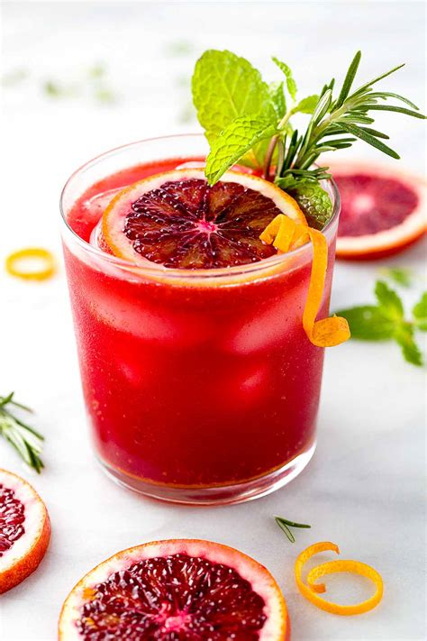 10 Refreshing Summer Cocktail Recipes To Help You Keep Your Cool by 10 Delicious Drink Recipes To Help You Survive Summer
