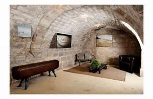 Amenagement Cave Voutée : dans la cave vout e de gabriel snapevent petit espace basement apartment cellar conversion ~ Melissatoandfro.com Idées de Décoration