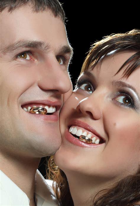 Awkward Wedding Photos: The Cringe-Worthiest Stock Wedding ...