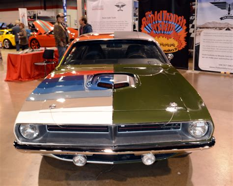 crazy mopars   muscle car nats  chicago hot