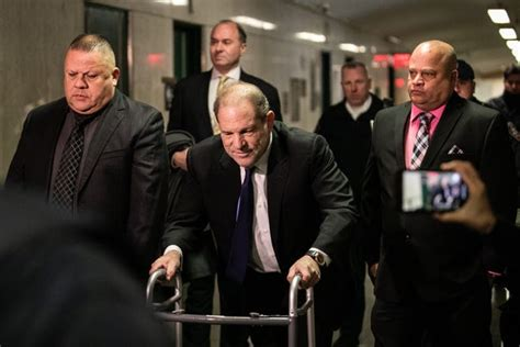 harvey weinstein close   deal accusers wont