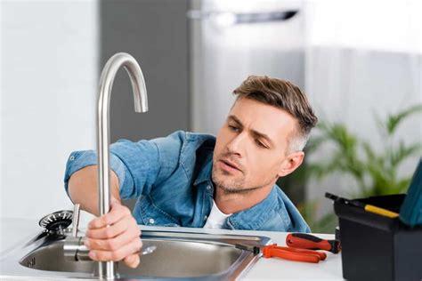 fix  leaky kitchen faucet   ways