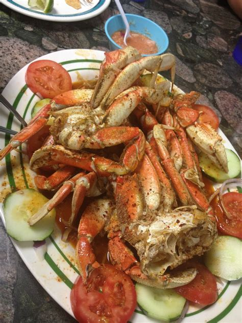 how do u boil crab legs 17 best images about recipe seafood on pinterest white