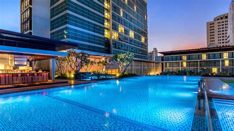 bangkok hotel swimming pool pullman bangkok king power