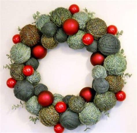 christmas yarn  ornament wreath allfreeholidaycraftscom