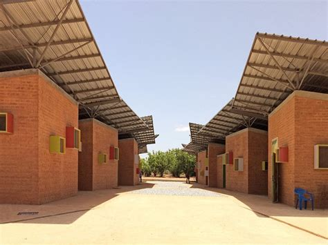 lyc e architecte d interieur surgical clinic in l 233 o k 233 r 233 architecture