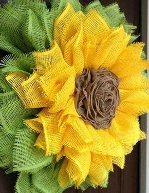 Sunflower Wreath with Ribbon Rose Center Tutorial Flores