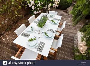 Festlich Gedeckter Tisch : deutschland garten terrasse holzdeck gartenm bel moderne sitzgruppe festlich gedeckter ~ Eleganceandgraceweddings.com Haus und Dekorationen