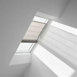 Store Pour Fenetre De Toit : store occultant ou tamisant pour fen tre de toit velux ~ Edinachiropracticcenter.com Idées de Décoration