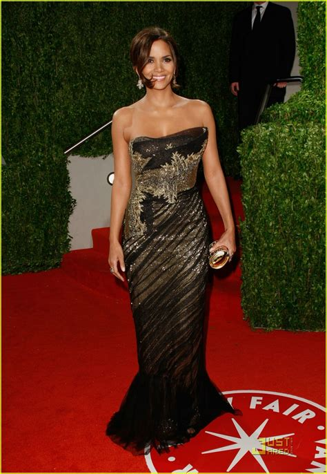 halle berry marchesa magical photo  halle berry