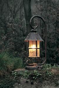 Lampe D Extérieur : lampe d 39 ext rieur en lanterne suspendue toit en c ne rivet fabriqu par les forges robers en ~ Teatrodelosmanantiales.com Idées de Décoration