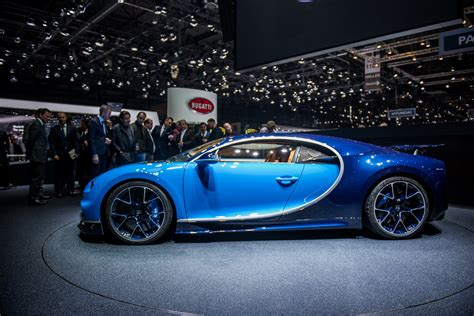 Ever wondered what 16 cylinders and almost 1500 hp looks like? 2018 Bugatti Chiron Gallery 668273 | Top Speed