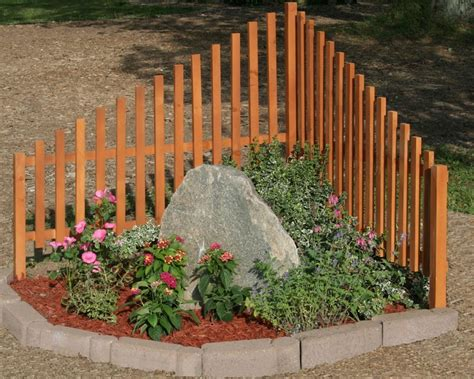 corner house fence ideas 19 best images about driveways on pinterest corner garden end of and driveway landscaping