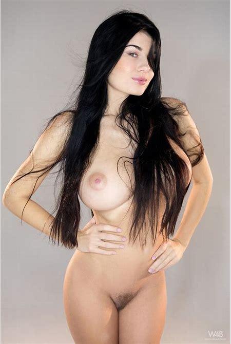 Lucy Li nude in 12 photos from Watch4Beauty