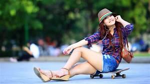 Girl Skater Style ~ Mystery Wallpaper