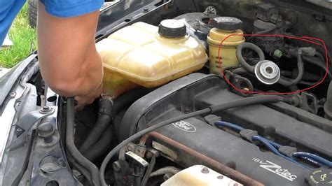 ford focus questions can someone tell me what this hose - L Verwisselen Ford Ka