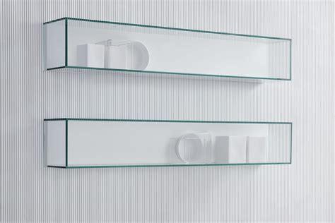 mensole in cristallo mensola in cristallo con funzione di teca idfdesign