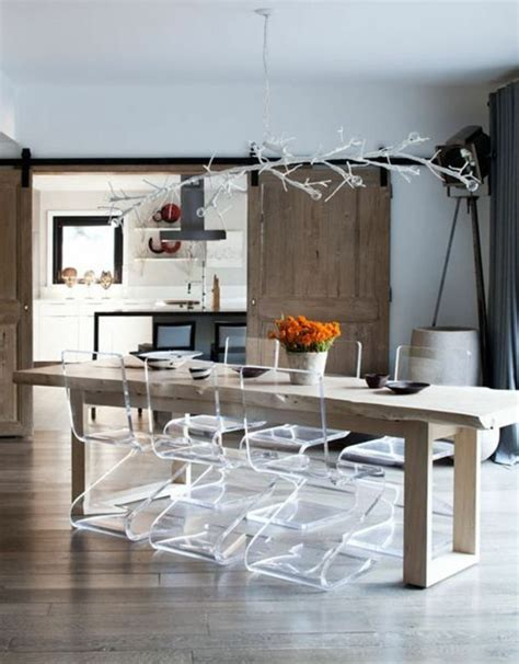 cuisine rustique grise pourquoi choisir la chaise design transparente