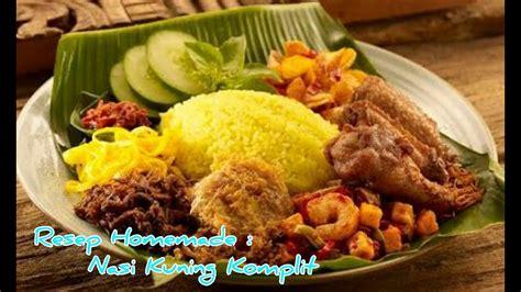 Nasi kuning dengan beragam tambahan atau pelengkap seperti sambal goreng, irisan telur dadar, tumis kacang panjang dan ayam goreng biasaya cukup mudah ditemu. Resep Dan Cara Membuat Nasi Kuning Komplit Gurih Dan Enak - YouTube