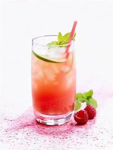 Cocktail Rezepte Alkoholfrei : alkoholfreier cocktail mit himbeeren und wassermelone rezept gesunde drinks getr nke ~ Frokenaadalensverden.com Haus und Dekorationen