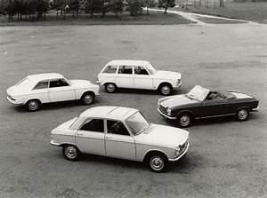 204 Peugeot Coupé : peugeot 204 coup et cabriolet le lion l 39 heure des y y s boitier rouge ~ Medecine-chirurgie-esthetiques.com Avis de Voitures