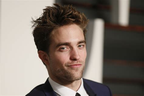 Kristen Stewart's ex Robert Pattinson comes out as gay ...