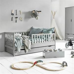 Lit Au Sol Pour Bébé : lit enfant 2 ans plume gris 70x140 petite am lie ~ Dallasstarsshop.com Idées de Décoration