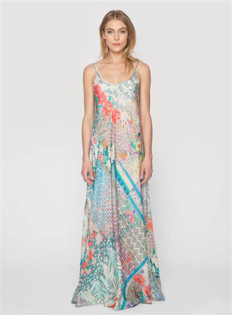 foto de Resort Style: Printed Silk Maxi Dress by Johnny Was