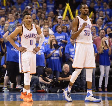 Kevin Durant Thunder Hold Off Spurs To Advance To Western
