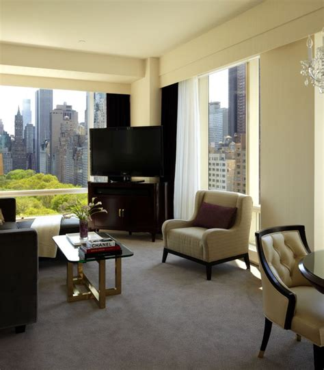 Two full bathrooms make it easier for larger parties to share the suite, which can accommodate up to 6 people. Suites in NYC   Trump Hotel New York - Rooms & Suites   2 ...
