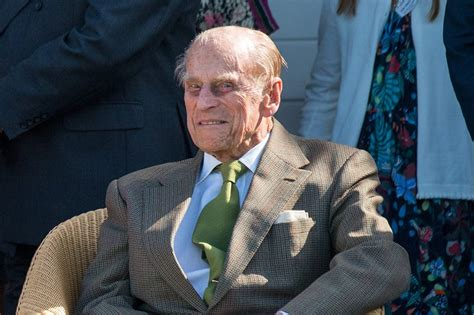 Prince Philip 'flown to Windsor Castle to self-isolate ...