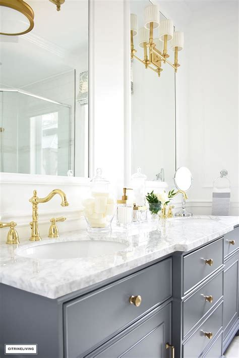 Modern Bathroom Color Palette by Best 25 White Master Bathroom Ideas On Master