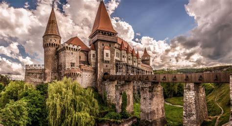 Corvin Castle | Transylvania Paragliding Tours