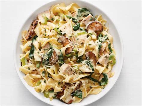 turkey tetrazzini  spinach  mushrooms recipe food