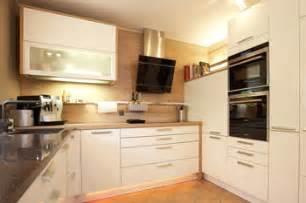 kleine küche einrichten kleine küchen clever planen und einrichten so geht s