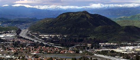 File:Conejo Grade in Thousand Oaks.jpg - Wikimedia Commons