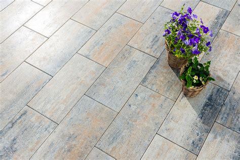 Terrassenplatten Erfahrungen by Schlanke Eleganz Im Schmalen Rechteckformat Diora