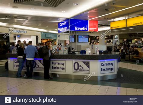 bureau change bureau de change travelex 28 images passenger at a