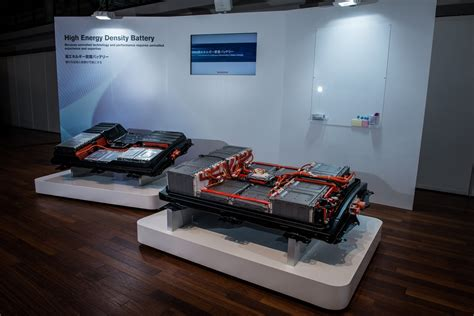 nissan toyota  working  breakthrough battery technology
