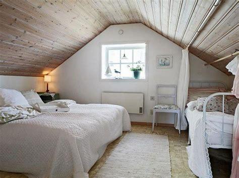 chambre sous pente de toit déco chambre sous pente