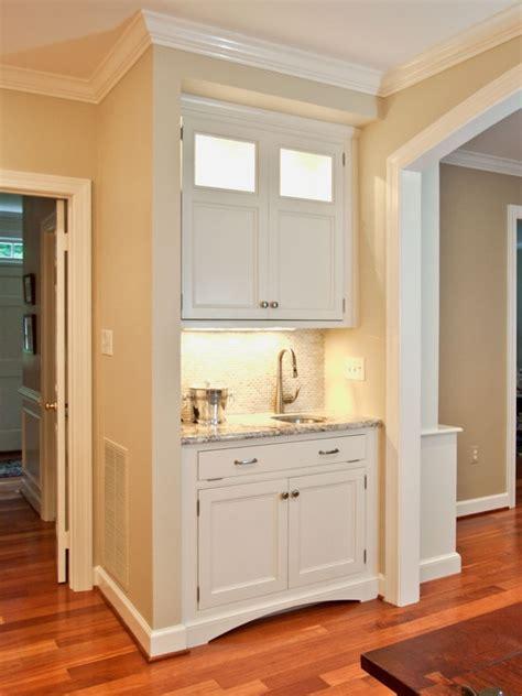 benjamin moore white cabinets benjamin moore cloud white cabinet design ideas pinterest 300 | 4d6ba2abfb993d0f307ad21e0c3845cf