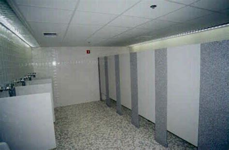 showershapes bathrooms dividersstalls gw surfaces