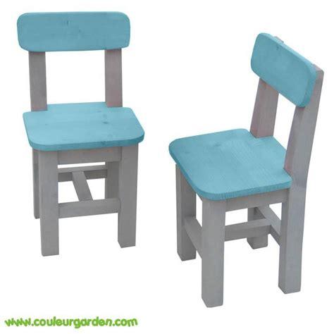 chaises pour enfants en bois colore