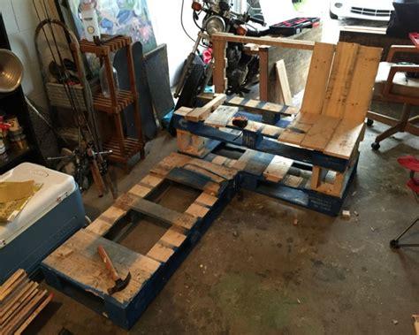 diy pallets patio corner bench  table pallet ideas