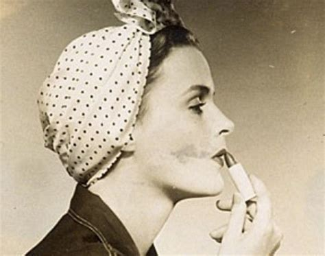 1940s Hairstyles With Scarf by Fashion Through The Years 1940 S Style