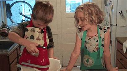 Cooking Child Gifs Zedua Giphy Holidays Ways