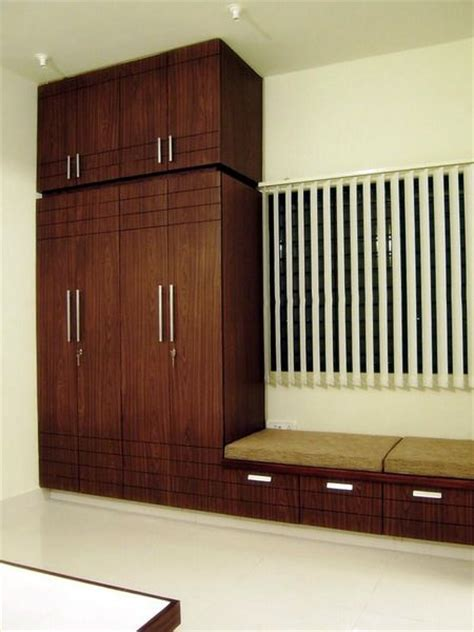 Designs Of Bedroom Cupboards by Bedroom Cupboard Designs Jpg 450 215 600 Zaara