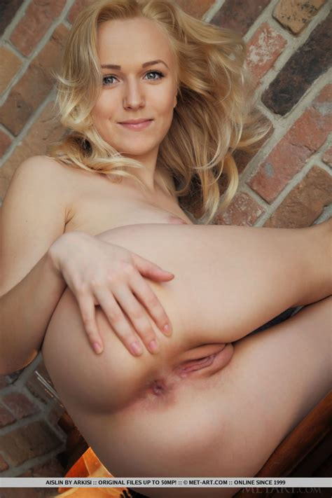 Aislin Nude In Inalto At Metart Hunter