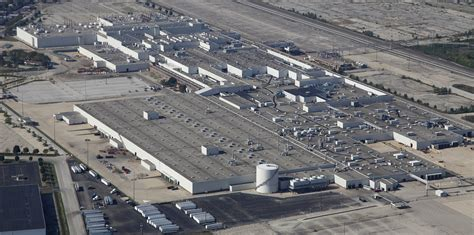 chinese company picks  gm site  ohio   plant