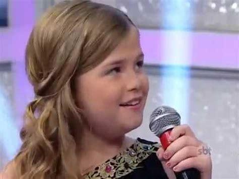 cute  girlsienna belle singing love